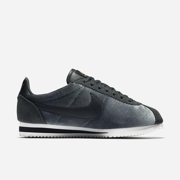 Nike Classic Cortez Shoes. M 5ac70ca53a112e09b5932865 1ae1929ec